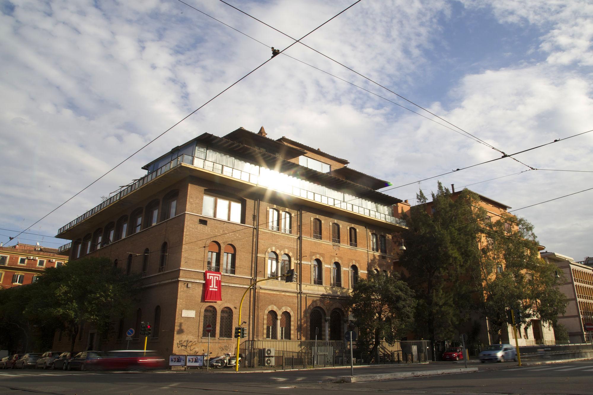 Exterior view of Villa Caproni
