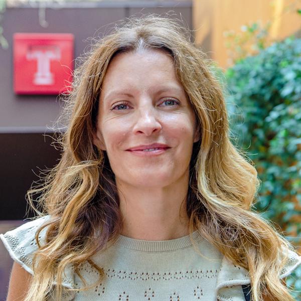Vania A. Lorenzo